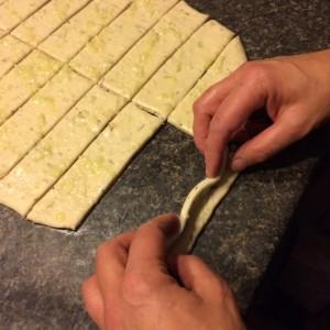 garlic knots 12